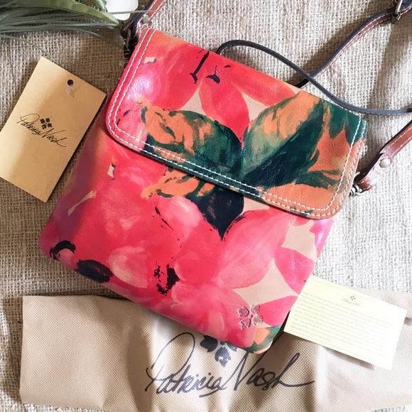 NWT Patricia Nash Floral Balluri Crossbody Bag